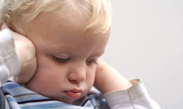 Правила оказания первой помощи при отите у ребенка в домашних условиях