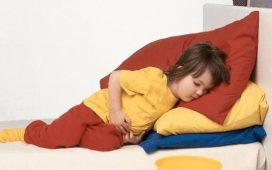 У ребёнка рвота: что делать и как лечить?